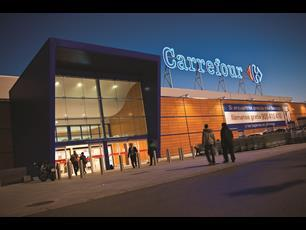 Carrefour is offering a price-match deal at two of its Belgian stores